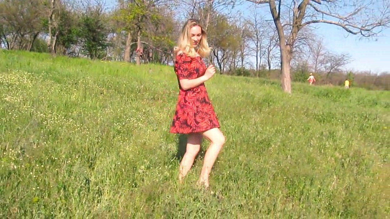 Russian dating site AnastasiaDate presents Elena and her