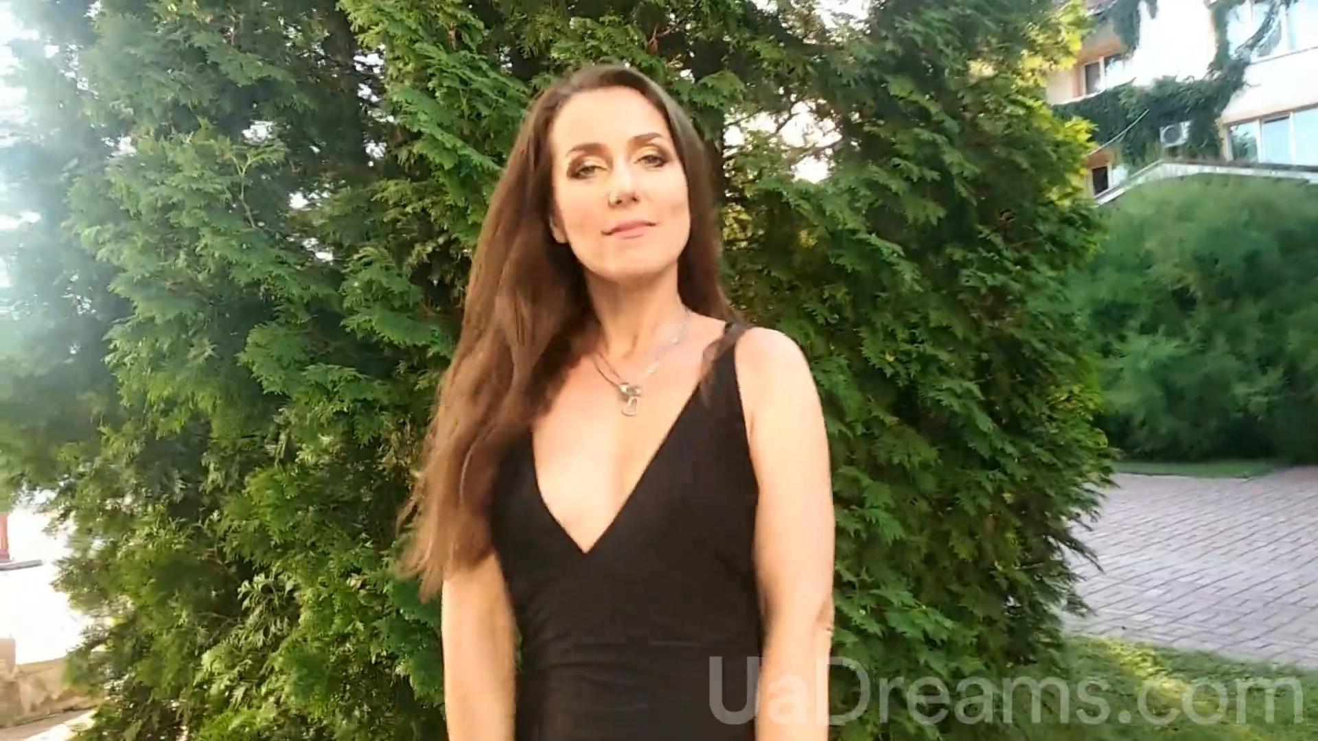 Julia Sumy 40 y.o. - intelligent lady - small public photo.