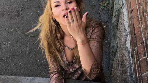 Yulya Kremenchug 35 y.o. - intelligent lady - small public photo.