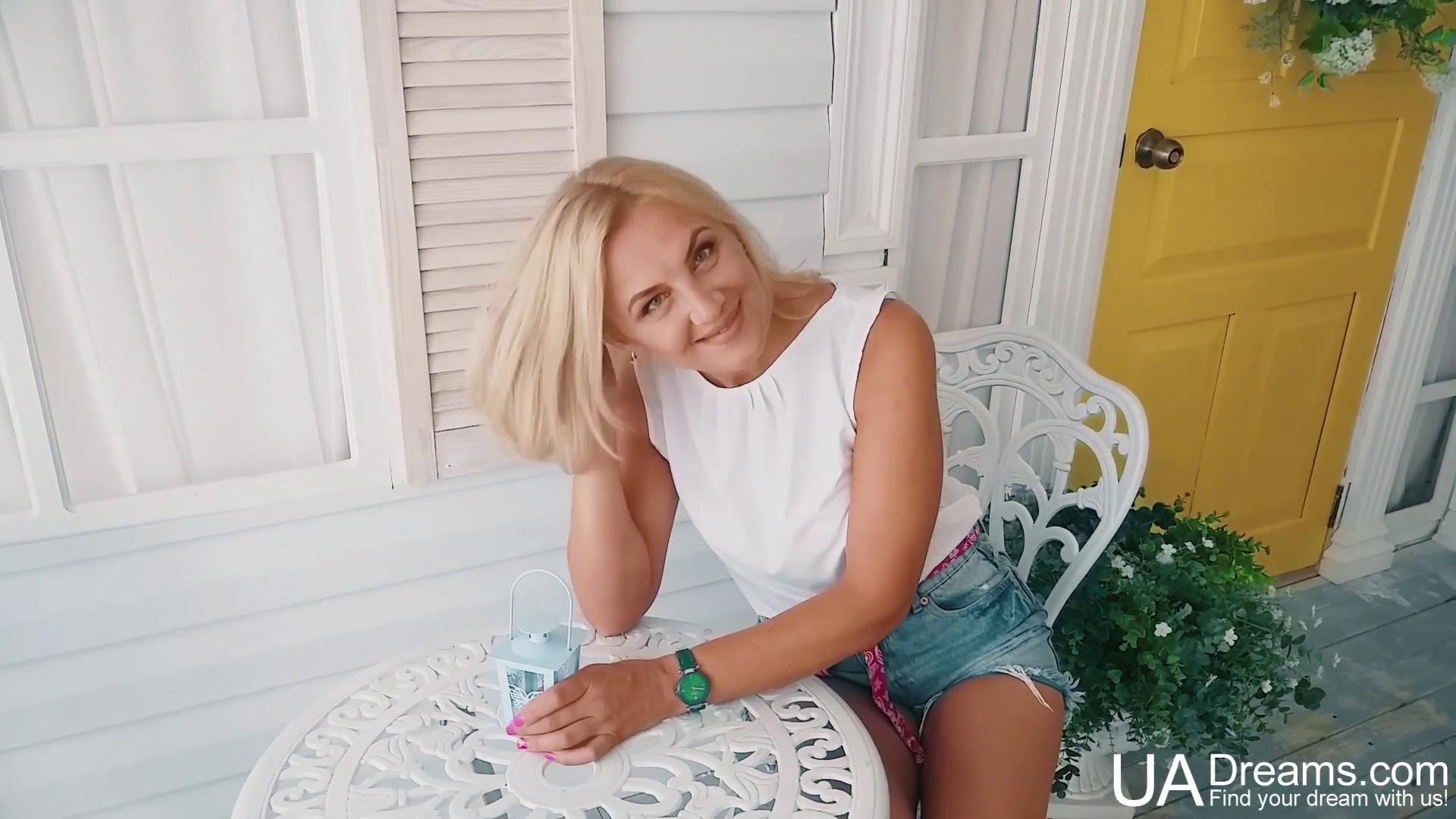 Olesya Kharkov 46 y.o. - intelligent lady - small public photo.