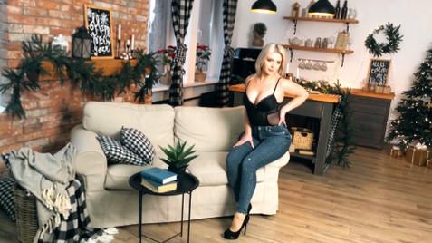Dariya Dnipro 23 y.o. - intelligent lady - small public photo.