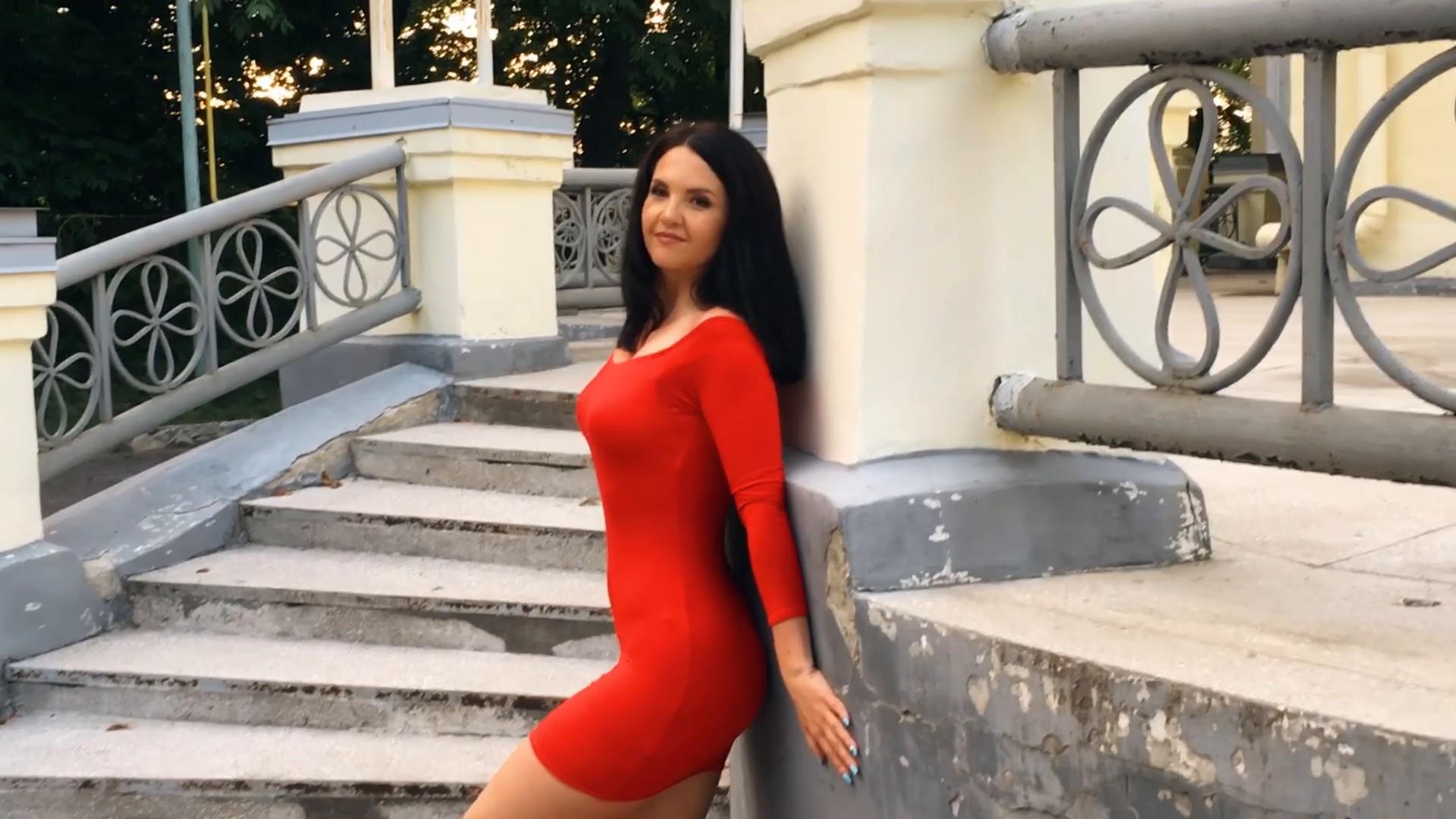 Lara Sumy 37 y.o. - intelligent lady - small public photo.