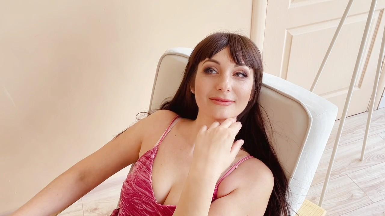 Lilia Nikolaev 34 y.o. - intelligent lady - small public photo.