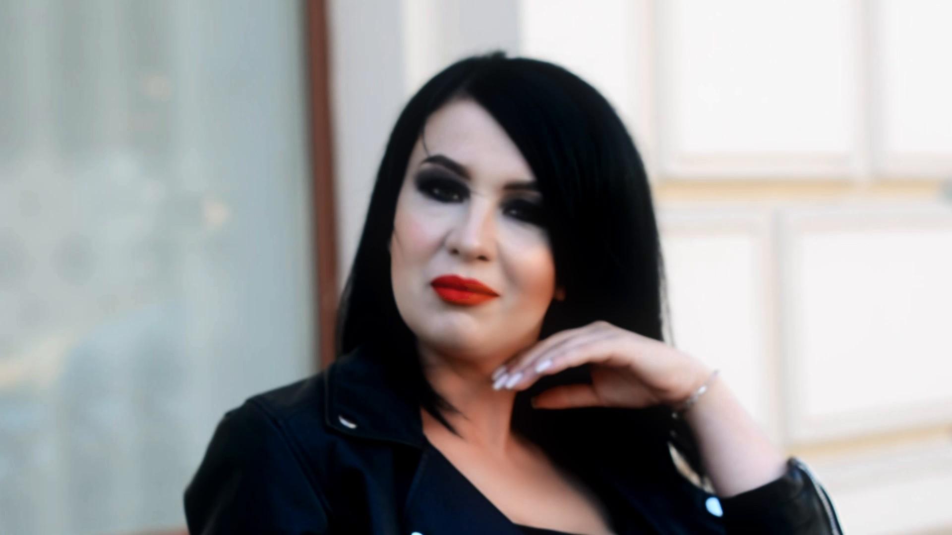 Nadya Dnipro 30 y.o. - intelligent lady - small public photo.