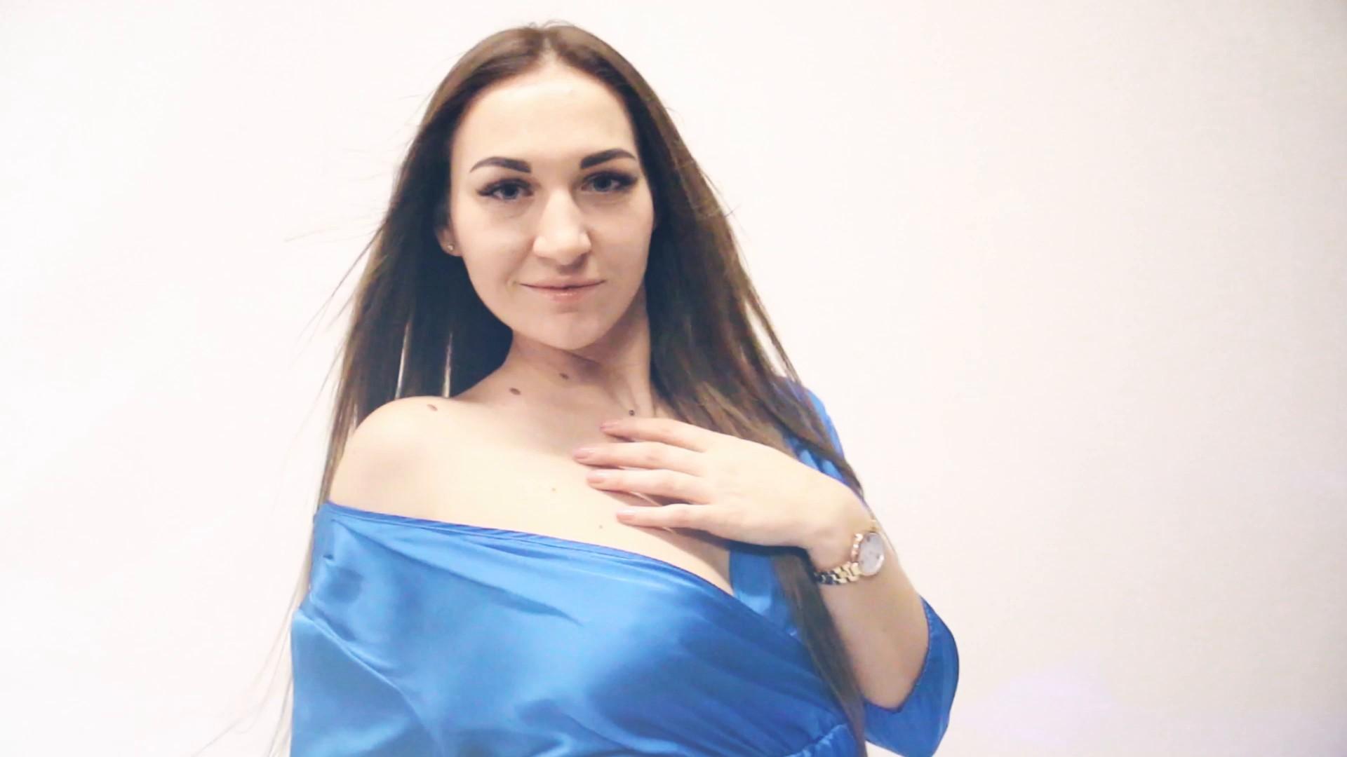Olga Zaporozhye 31 y.o. - intelligent lady - small public photo.