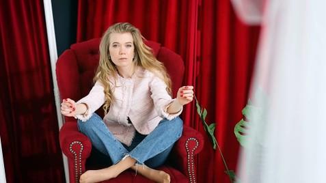 Marinka Kremenchug 23 y.o. - intelligent lady - small public photo.