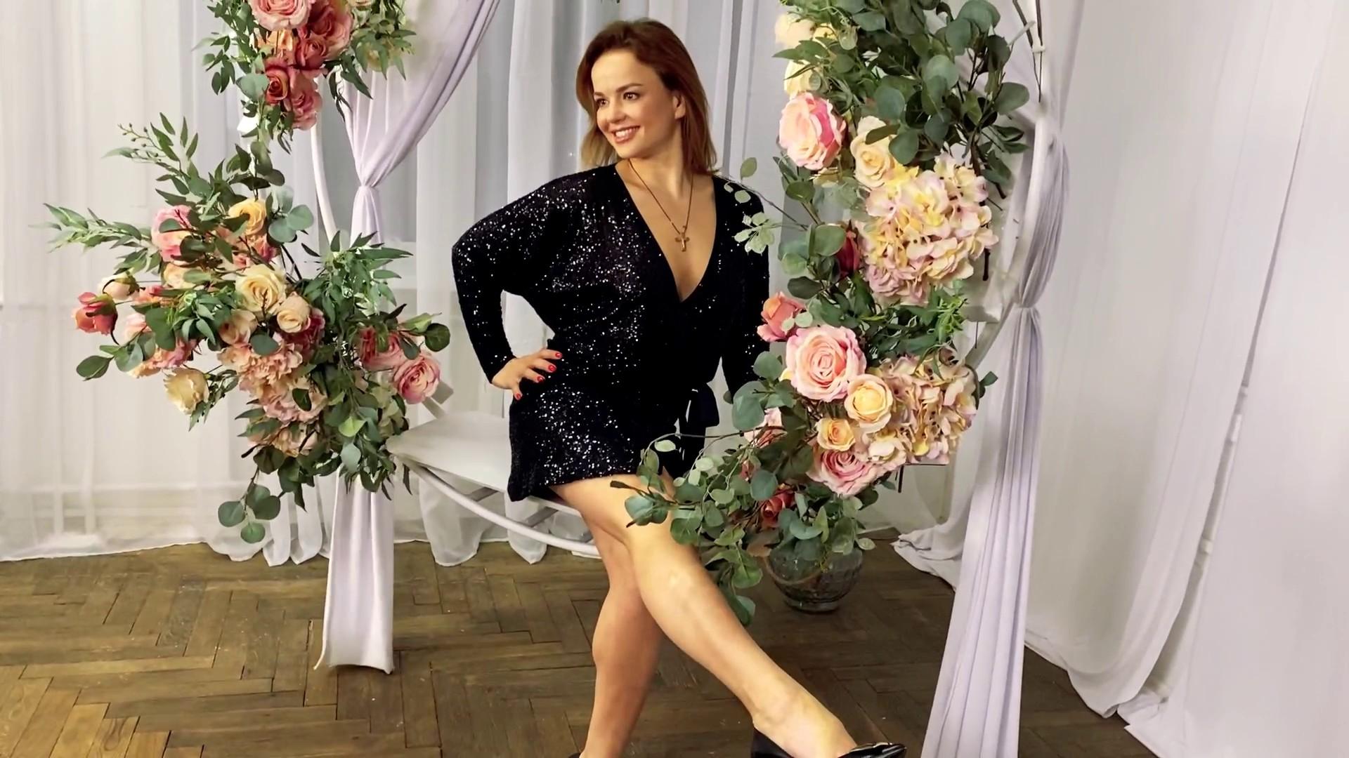 Olena Lutsk 41 y.o. - intelligent lady - small public photo.