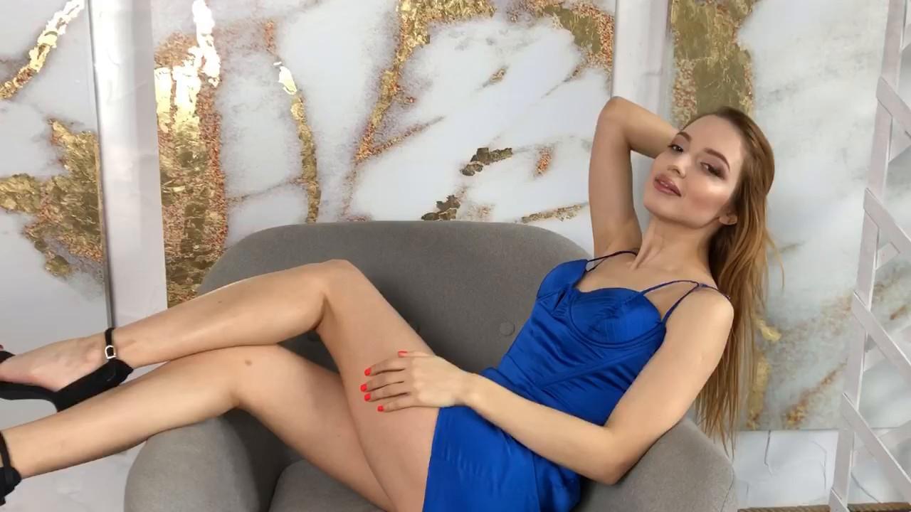 Lera Nikolaev 24 y.o. - intelligent lady - small public photo.