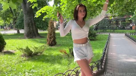 Karolina Nikolaev 29 y.o. - intelligent lady - small public photo.