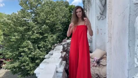 Julia Nikolaev 33 y.o. - intelligent lady - small public photo.